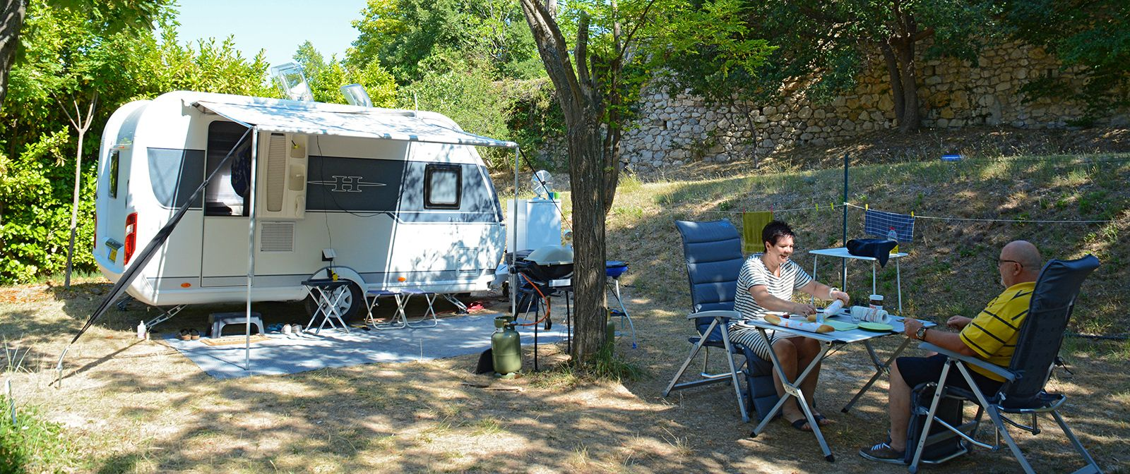 camping moustiers