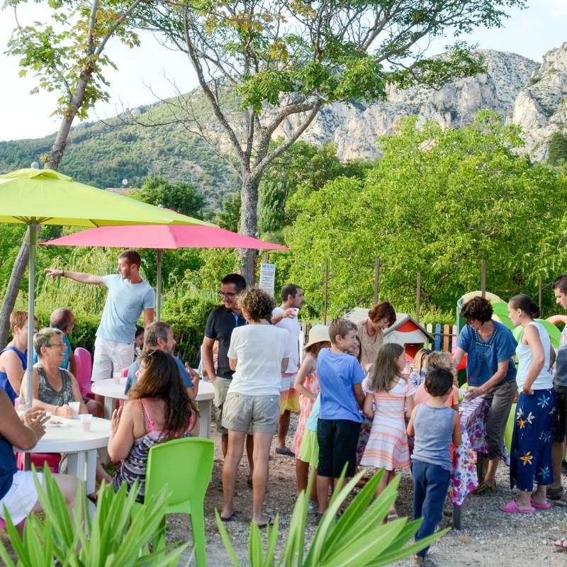 Services de qualit au camping le vieux colombier verdon for Camping moustiers sainte marie avec piscine